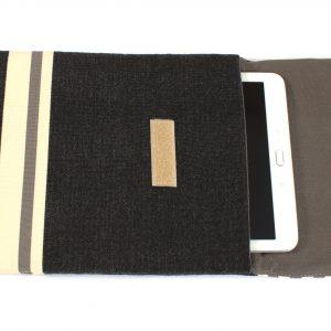Tablet-Hüllen (in diversen Farben)